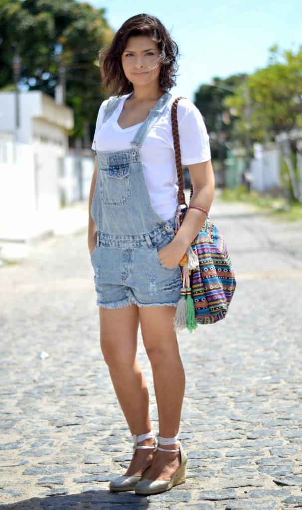 look-barato-pechincha-look-do-dia-jardineira-macacao-macaquinho-basico-camiseta-branca-espadrille-espadrilha-bolsa-etnica-peruana-colombiana-blog-feminino-moda-6